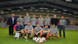 LKS Owsiszcze z Pucharem Wójta w Halowym Turnieju Piłki Nożnej