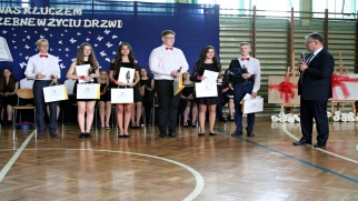Nagrody dla wyróżniających się absolwentów