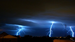 Ostrzeżenie meteorologiczne. Gwałtowne burze z gradem i silny wiatr.